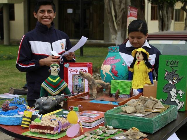 Resultado de imagen para feria escolar de emprendedores peru