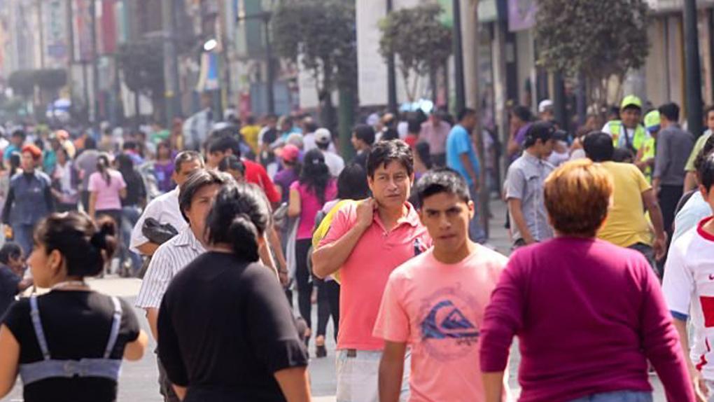 Resultado de imagen para peruanos con baja estatura