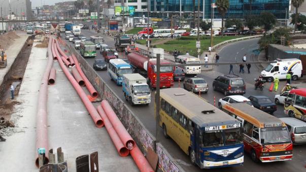 La solución pasa por usar más transporte público.