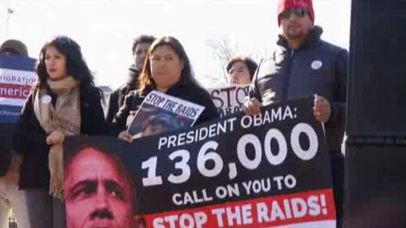 Los activistas piden que se les conceda el estatus de refugiado a los inmigrantes procedentes de Guatemala, El Salvador y Honduras.