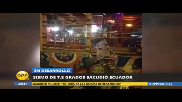 Así informaba un periodista ecuatoriano momentos después del terremoto.