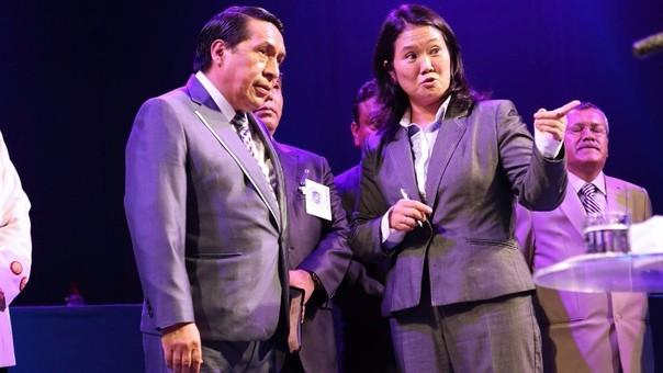 Respecto a los derechos de las minorías sexuales, Jaime Bayly, discrepó con la posición tomada por Keiko Fujimori, quien en la última semana firmó un acuerdo sobre el tema con un sector de la iglesia evangélica.