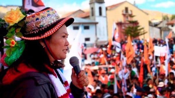 La candidata presidencial Keiko Fujimori afirmó que tuvo que cancelar su visita al Vraem debido a que el Ejército peruano les negó una solicitud de préstamo de combustible. La lideresa de Fuerza Popular aseguró que en una ocasión anterior esa institución si apoyó a Peruanos por el Kambio (PKK) tras un pedido similar.