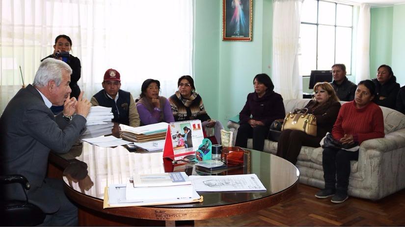 Huancayo: padres de Orcotuna protestan por abusos de directora - RPP Noticias