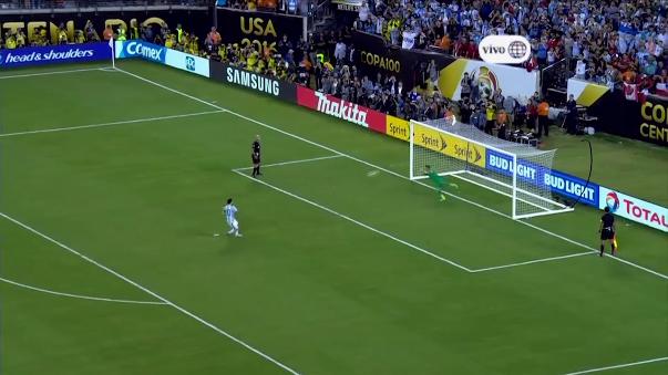 Lionel Messi falló su penal ante Chile.