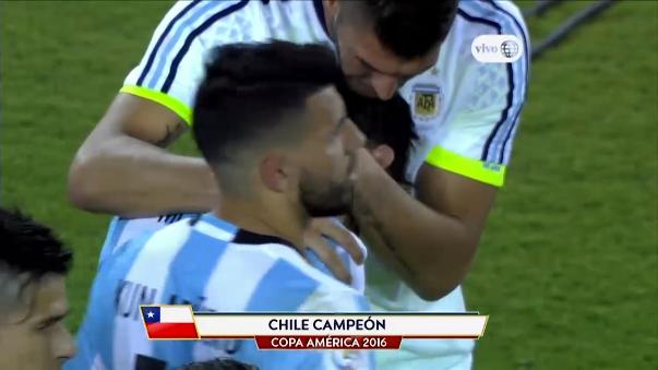 Lionel Messi no pudo contener las lágrimas de perder una tercera final consecutiva (Mundial 'Brasil 2014', Copa América 'Chile 2015' y Copa América Centenario 'USA 2016') con Argentina.