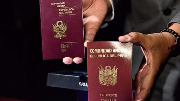 El pasaporte biométrico se diferencia del mecanizado por la presencia de un chip en la parte inferior de la portada