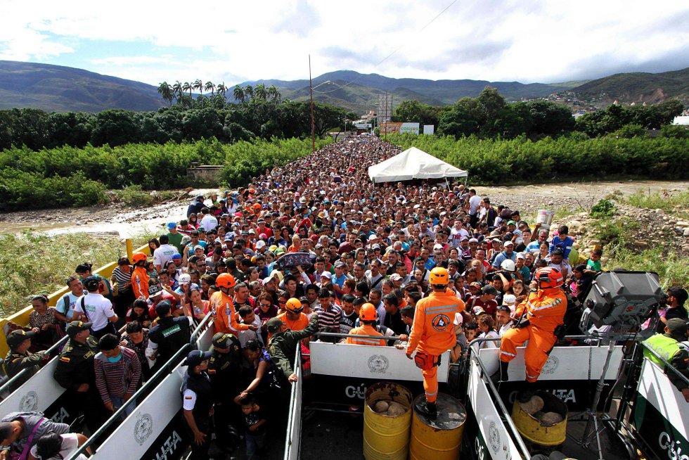 La llegada de venezolanos generó un riesgo de que los establecimientos de Cúcuta se desabastecieran, especialmente debido a un paro camionero y numerosos cortes de carreteras en Colombia.