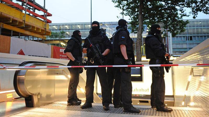 Las autoridades bávaras han activado la alarma antiterrorista para disponer así de todos los efectivos posibles de las diferentes fuerzas de seguridad.