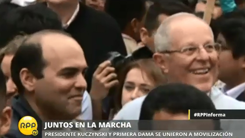 El presidente Pedro Pablo Kuczynski (PPK) participó en la marcha Ni Una Menos junto al primer ministro Fernando Zavala.