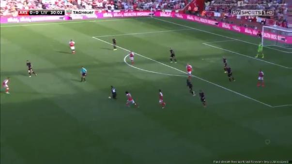 Arsenal y Liverpool protagonizaron el partido más emocionante en la primera fecha de la Premier League.