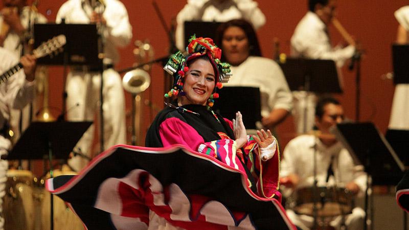 Día del folklore: iluminar a la nación desde el arte