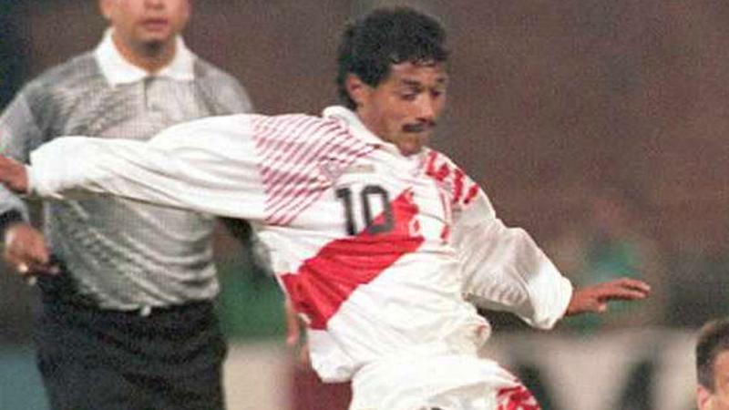Pese a desempeñar una gran actuación en las Eliminatorias Francia 1998, Perú no pudo clasificar a dicho mundial.