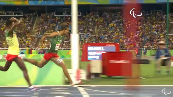 El tiempo (3:50.00) que hizo Mathew Centrowitz en los Juegos Olímpicos fue mejorado por otros tres atletas más.