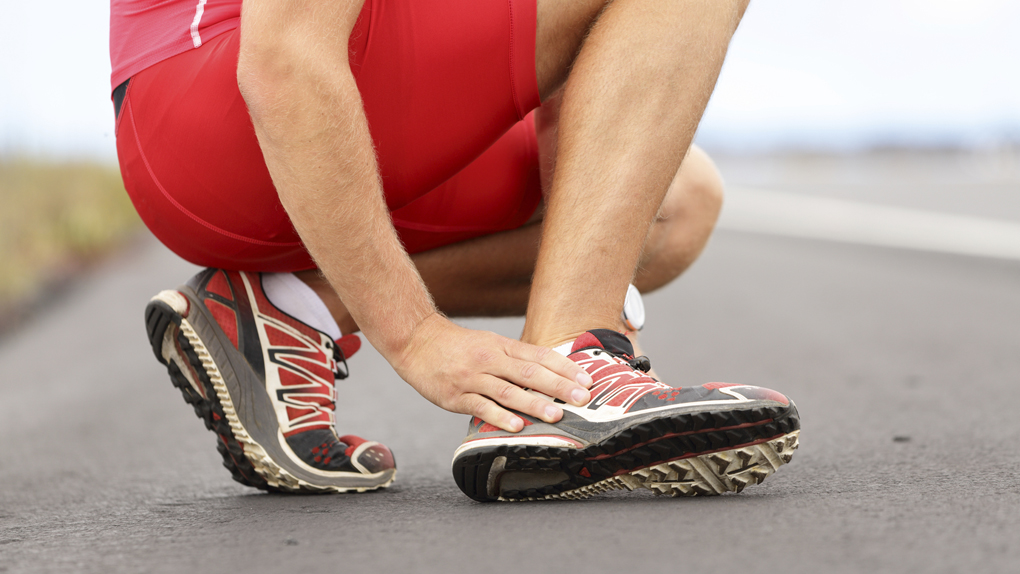 Las lesiones más frecuentes al correr largos tramos son los esguinces, tendinosis y desgarros.