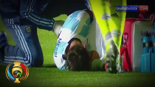 Un golpe a la cadera estuvo a punto de sacar de competencia en la Copa América Centenario a Lionel Messi.