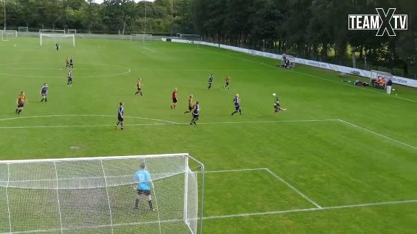 Un partido amateur en Dinamarca fue testigo de un impresionante gol de chalaca parecido al que le valió el premio Puskas a Zlatan Ibrahimovic.