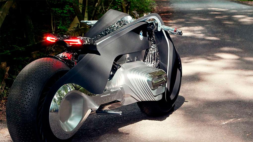 BMW le agrega toques digitales a la experiencia análoga de conducir una motocicleta.