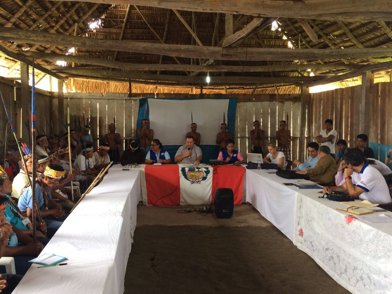 Mesa de diálogo en Saramurillo.