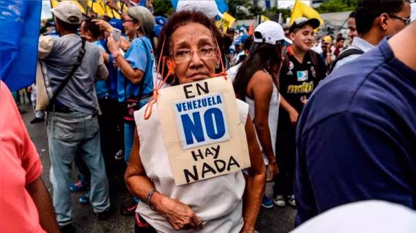 La oposición pide que también se acepte la ayuda que se ofrece a Venezuela.