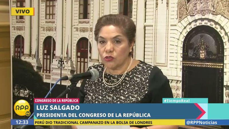 Luz Salgado brindó una conferencia de prensa en la sede del Legislativo.