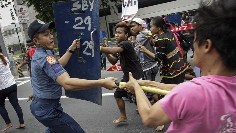 La Policía alegó que los manifestantes no tenían los permisos requeridos para celebrar la protesta.