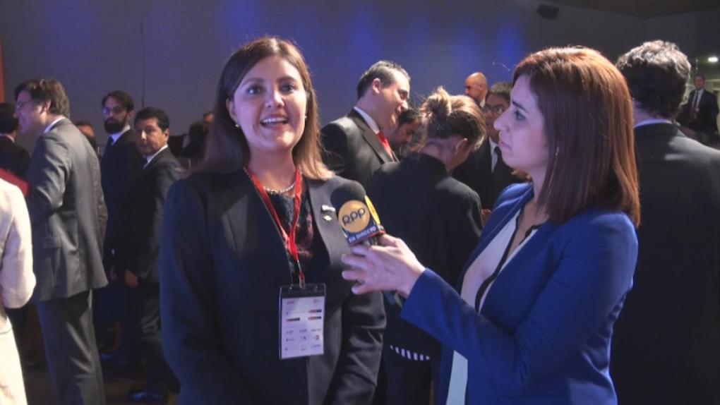 Gobernadora regional de Arequipa presentó cartera de proyectos a españoles.