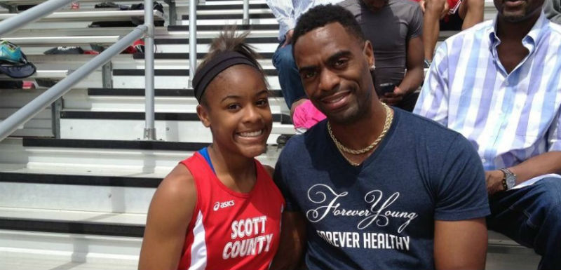 Tyson Gay se inició en el atletismo compitiendo en la Universidad de Arkansas en 2004.
