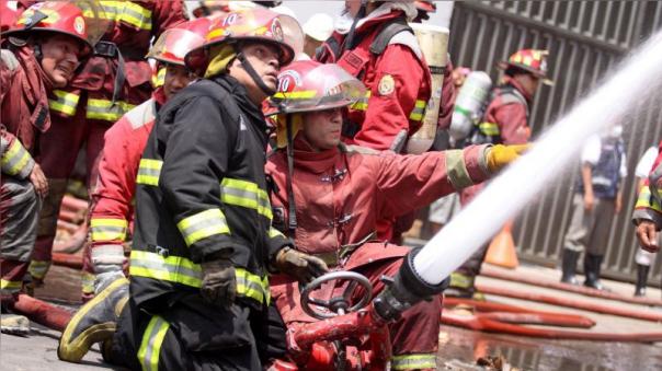 Un bombero denunció maltrato por parte de la población a la que la institución protege.