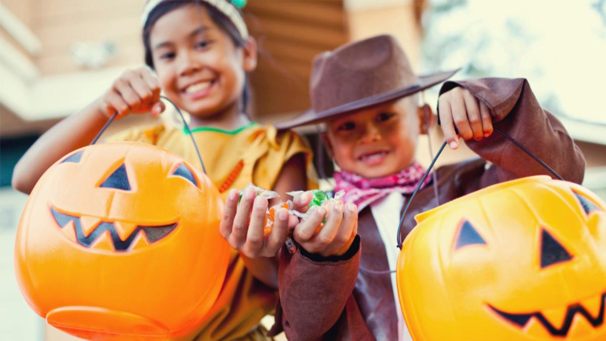 """Los padres deben racionar """"el botín"""" y distribuir los dulces que los niños consumirán durante la semana."""