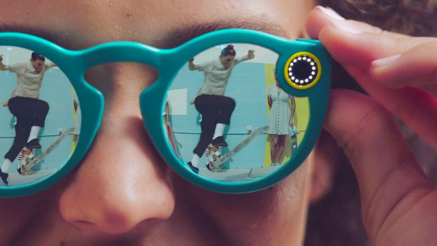 Los lentes de Snapchat se conectaran al móvil por Wi-Fi o Bluetooth.