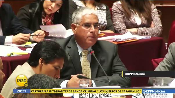 Óscar López Meneses se presentó ante la Comisión de Fiscalización.