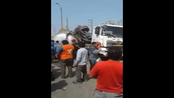 Fuerte accidente se registró en inmediaciones del zoológico de Huachipa