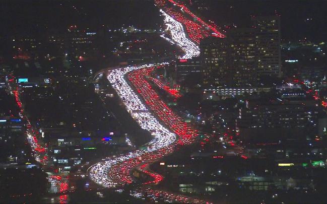 La autopista 405 de Los Ángeles es una de las más transitadas y congestionadas de todo Estados Unidos.