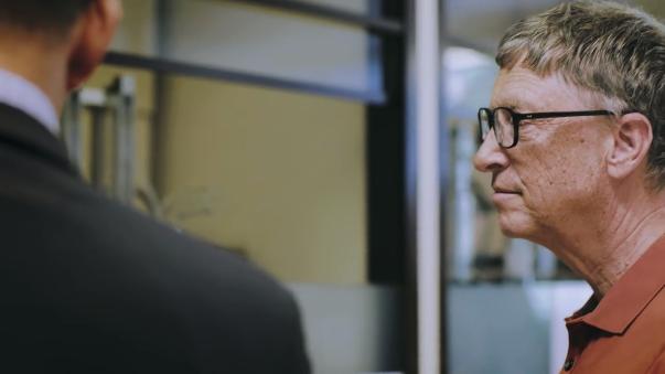 Bill Gates explica los avances del trabajo para neutralizar los malos olores.