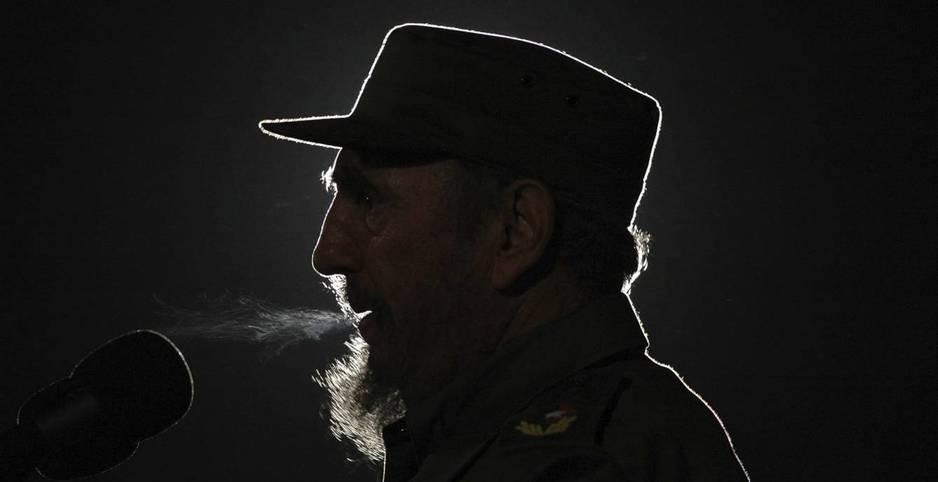 El momento en el que Raúl anunció la muerte de su hermano Fidel Castro.