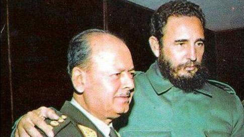 Fidel Castro fue recibido entre vítores y aplausos por cientos de peruanos en el aeropuerto Jorge Chávez.