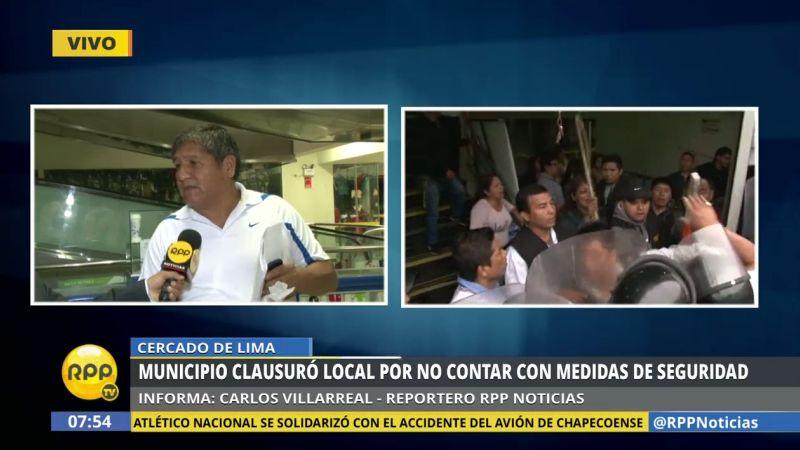 Juan Cornejo, presidente de la asociación de comerciantes de esta galería, denunció que este cierre obedecería a una suerte de venganza.