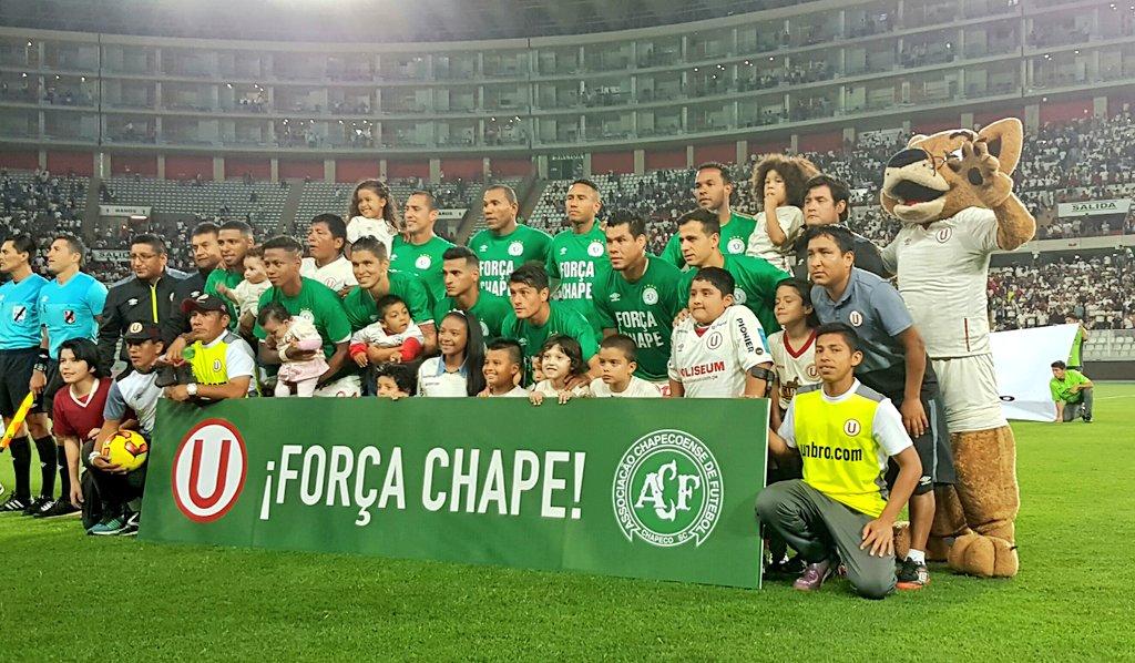 La Confederación Brasileña de Fútbol anunció un período de luto de una semana, en el que se suspenderán todas las actividades ligadas al fútbol.