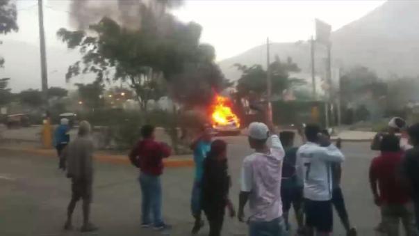 El choque entre la Policía y los vecinos de Huaycán dejó una persona muerta.