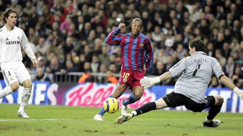 Ronaldinho se enfundó la camiseta del Barcelona durante 5 temporadas.