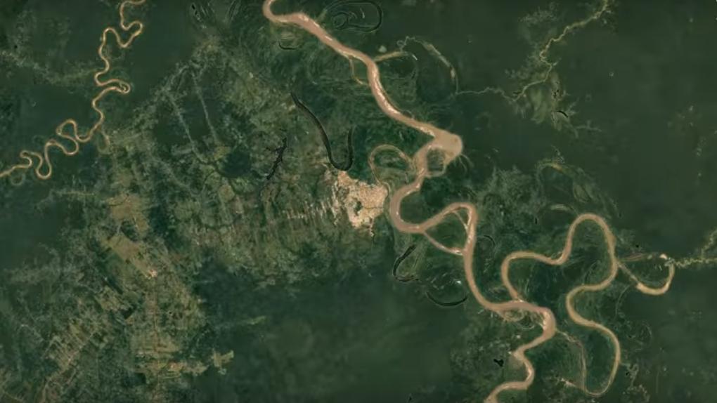 El río Ucayali entre 1984 y 2016.
