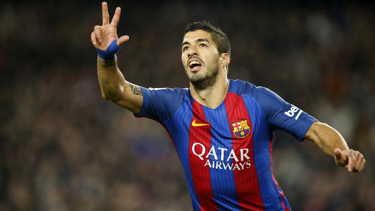 Luis Suárez anotó un doblete en el triunfo del Barcelona.