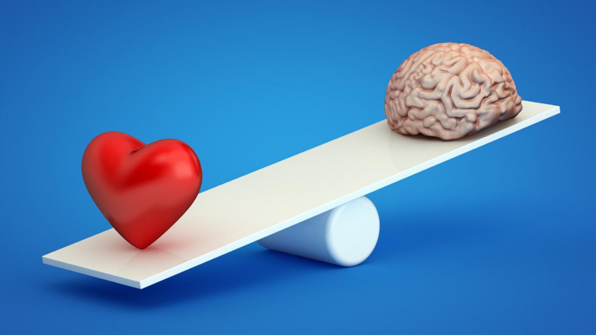 Hay que amar con la cabeza, no solo con las emociones, señala el terapeuta de parejas José Baldeón.