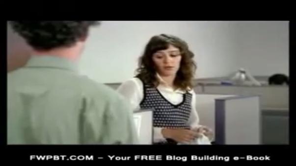Bud Light (2010): Por cada prenda que se sacaban, ellos recibían una cerveza. Al final, terminaron trabajando desnudos.