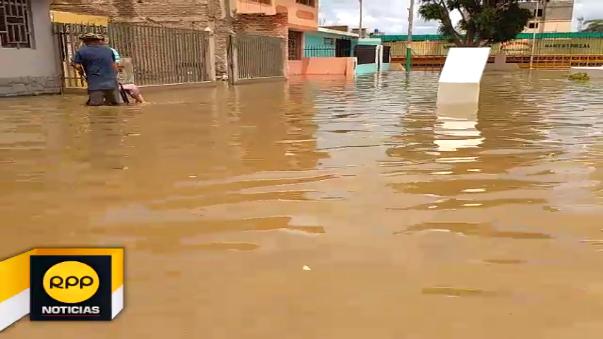 Esta es la situación que afrintan algunos de los barrios afectadis por las incesantes lluvias que se registran en Chiclayo.