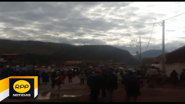 Pobladores cercanos al cuartel realizaron una protesta.