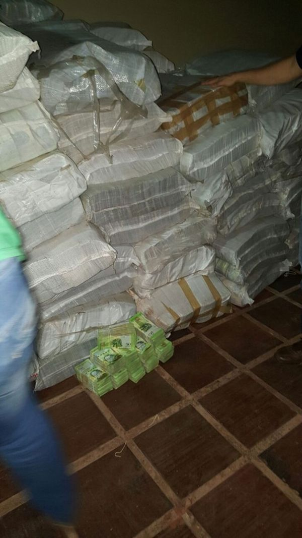 30 toneladas de bolívares fueron decomisados en Paraguay.