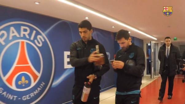 Barcelona compartió este video con la llegada de sus jugadores a Francia para afrontar el partido.
