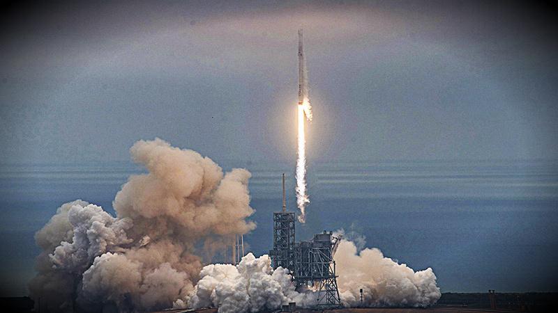 El lanzamiento sucedió 5 meses después del fallido intento de lanzar un cohete que llevaba un satélite que podría haber provisto de internet a África.